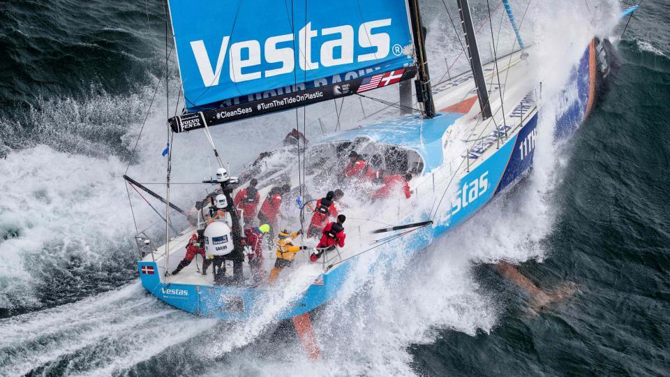 vestas_11th_hour_raceing_waves