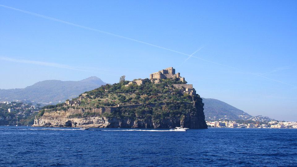 ischia-port_img-2011_alice-r-